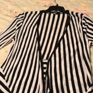 Cardigan blazer/sweater. Alfani. Black/white